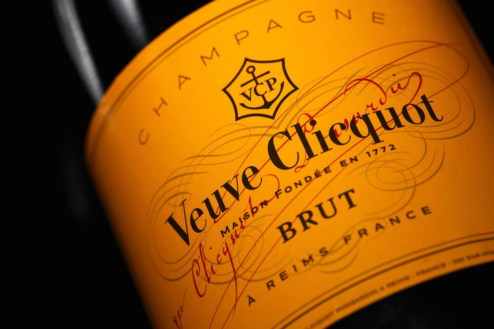 veuve clicquot champagne sugar baby daddy mundo