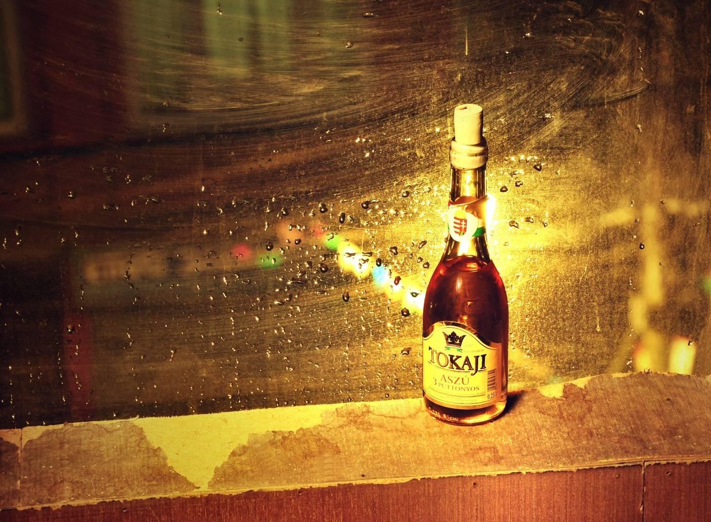 serie grandes marcas tokaji sugar baby daddy mundo relacionamento casal luxo vinho